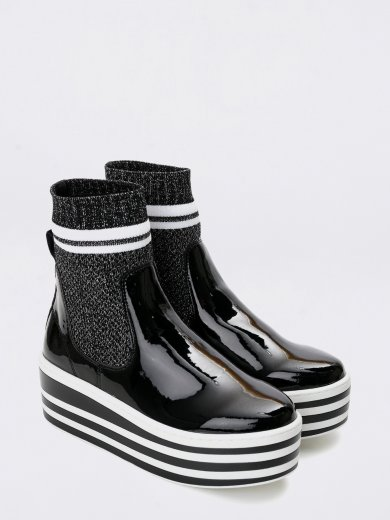 BOOST SOCKS PATENT BLACK